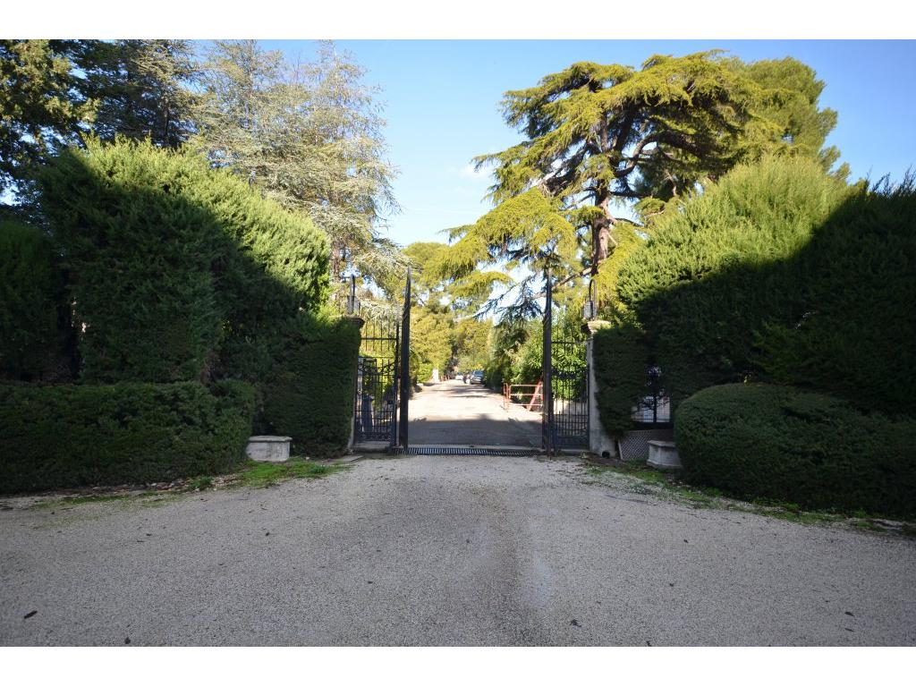 https://d1qfj231ug7wdu.cloudfront.net/pictures/estate/2543/2542083/20143252575c07ab58e2b516.43011780_1024.jpg